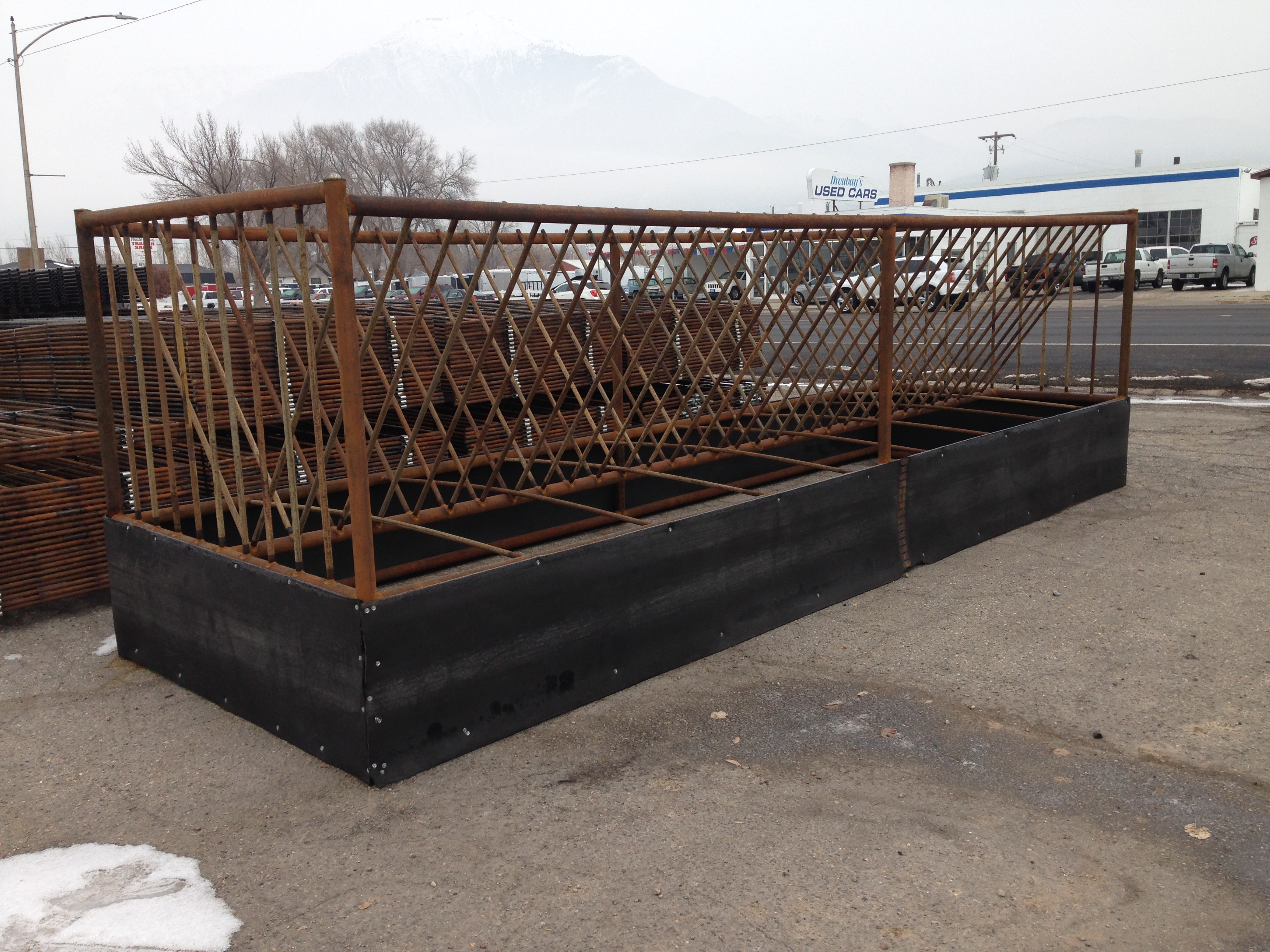 about mafes tarter feeders auction towable feeder